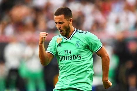Eden Hazard tuulettaa nyt Real Madridin väreissä.