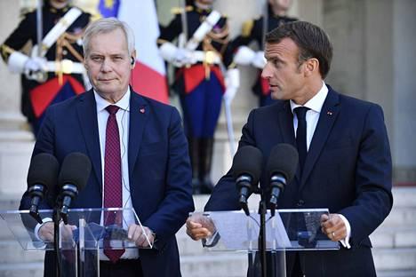 Suomi kannattaa EU:n laajentumisneuvotteluiden pikaista aloittamista, mutta Ranska vastustaa niitä.