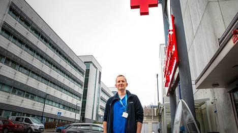 Tampereen yliopistollisen sairaalan päivystys Acutan ylilääkäri Mikko Franssila kertoo, että päihteiden yliannostuksen vuoksi päivystykseen tuodaan tavallisesti 20–30-vuotias, joka on ottanut lääkkeitä ja alkoholia.