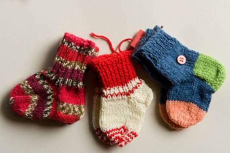 Kirjoittajan mukaan Kolhon kyläyhdistyksellä on ollut aikaisemmin usean vuoden ajan tapana muistaa uusia kyläläisiä pienillä sukilla.