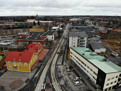 Huittinen on viimeinen suomalainen yli 10000 asukkaan kaupunki, jossa mahdollisia koronatartuntoja on alle viisi. Huittisista on uutisoitu yhdestä koronatapauksesta keväällä ja toisesta joulukuun alussa.