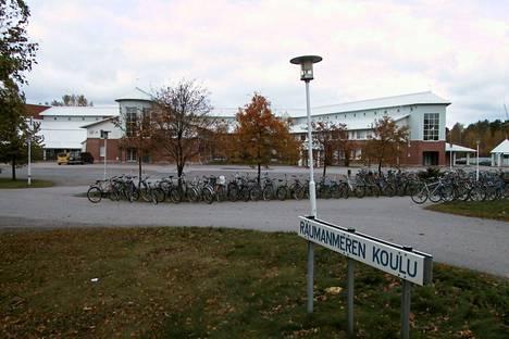 Raumanmeren koulu.