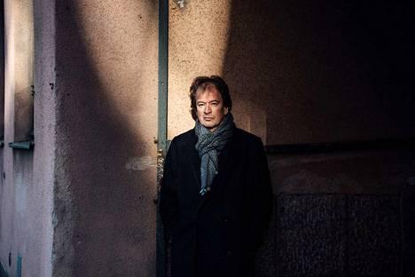 """""""Olisi tärkeää, että saisimme laadukasta, suomalaista kirjallisuutta vielä nykyistä paremmin maailmalle"""", sanoo Kjell Westö."""