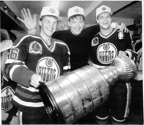Reijo Ruotsalainen, Jari Kurri ja Esa Tikkanen pääsivät maistamaan menestystä Edmontonin kultavuosina.