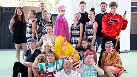 Vihreän Teatterin kesän 2021 60-vuotisjuhlanäytelmä, Koffeli ja Pöffeli Porin pirun jäljillä, esitetään Porin Kirjurinluodon kesäteatterissa.