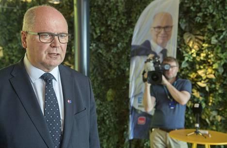 Europarlamentaarikko Eero Heinäluoma kutsuu neuvotteluja EU-parlamentin julkilausumasta nyyttikesteiksi, johon jokainen ryhmä sai tuoda omat kovat vaatimuksensa ja kaikki otettiin mukaan.