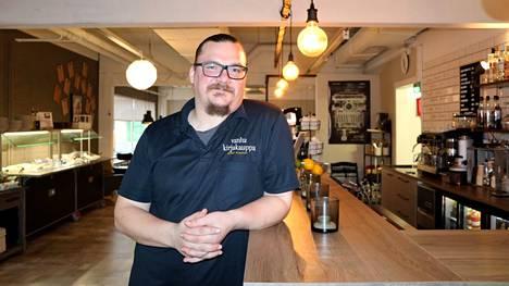 Nakkilan äänikuningas oli Eetu Bragge. Hän työskentelee ravintola Vanhan kirjakaupan yrittäjänä. Arkistokuva vuodelta 2018.