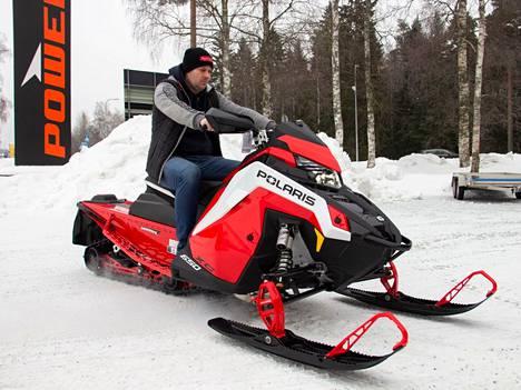 Hyvä talvi on piristänyt Pohjois-Satakunnan alueen moottorikelkkailua. Satamotorsin Turo Korjansalon mukaan moottorikelkkasesonki napsahti käyntiin käytännössä yhden tammikuisen yön jälkeen.