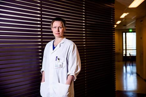 Taysin infektioyksikön apulaisylilääkäri, infektiolääkäri Reetta Huttunen.