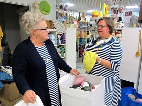 Kirsi-Marja Kulmala ja Maiju Suominen ovat pyörittäneet Raision Huhkossa käsityö-alan yritystään menestyksekkäästi jo kymmenen vuotta.