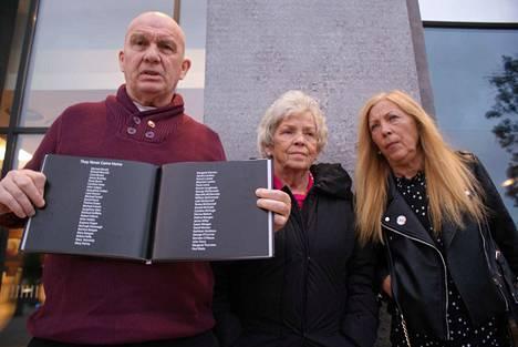Eugene Kelly, Christine Keegan ja Antoinette Keegan ovat keränneet Stardustin uhrien ja omaisten tarinoita kirjaksi. Kirja sisältää tarinoiden lisäksi uhrien nimet. Uhrien, jotka eivät tulleet enää takaisin kotiin.