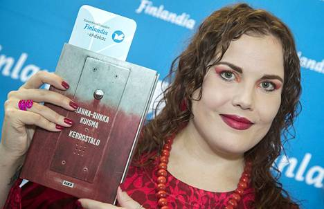 Marraskuun 7. päivänä Hanna-Riikka Kuisma julkistettiin kaunokirjallisuuden Finlandia-ehdokkaaksi. Nyt hänellä on jälleen aihetta juhlaan.