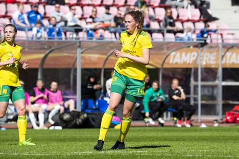 Hyökkääjä Aino Rasinen onnistui tekemään Ilveksen ainoan maalin sarjakakkosta Honkaa vastaan.