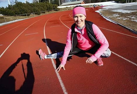 Anna-Liisa Ruusunen vetää yksilö- ja yritystreenien lisäksi juoksukouluja ja Monday-treenejä.