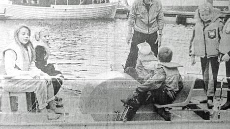 KMV-lehti kirjoitti 20. kesäkuuta 1991, että veneleiriläisten päivät kuluivat suurelta osin järvessä ja järvellä Vilppulan Veneilijöiden tukikohdassa Pohjaslahden Honkatorpassa. Nelisenkymmentä leiriläistä osallistui seuran ja kunnan järjestämälle leirille, jota veti Juha Koivistoinen.