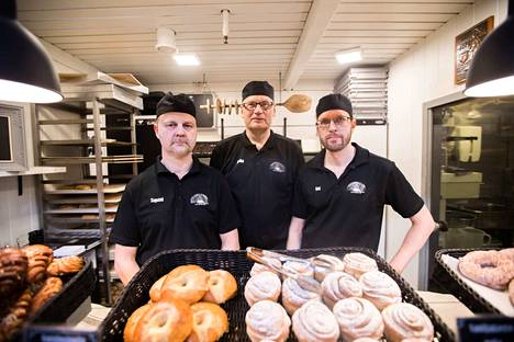 Tapani Ojala, Jukka Ketola ja Kai Lähde ovat kaikki yrittäjiä. Kolmikko oli töissä Kalevan Takojankadulla Vaasa Oy:n leipomossa, jonka paikalla on nyt vain rakennusmonttu.