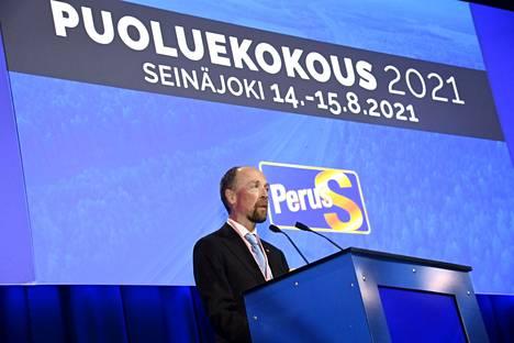 Väistyvä puheenjohtaja Jussi Halla-aho perussuomalaisten puoluekokouksessa Seinäjoella 14. elokuuta 2021.