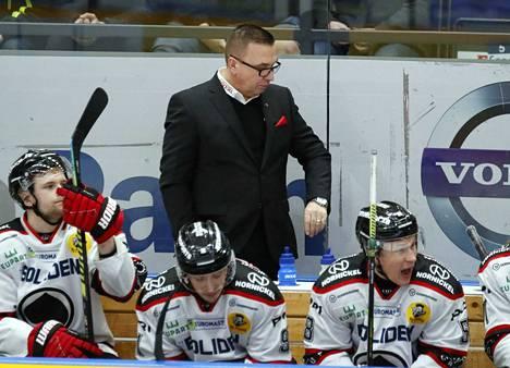 Saako Ari-Pekka Selin uusia valmennettavia vielä tälle kaudelle? Se selviää viimeistään lauantaina.