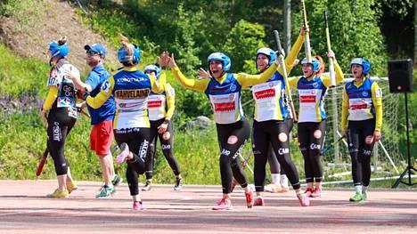 Naisten Ykköspesiksen joukkue pelasi sunnuntaina Espoota vastaan kotikentällä.