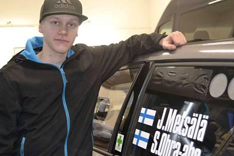 18-vuotiaan Juuso Metsälän uran avauskisa asfaltilla toi heti luokkavoiton.