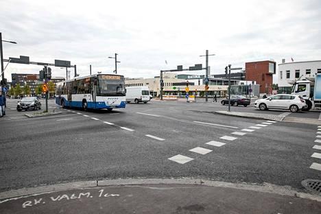 Raitiotien rakentamisen ajoituksesta Hatanpään valtatielle Koskipuiston ja linja-autoaseman välille on tarkoitus päättää kaupunginvaltuustossa seuraavana syksynä.