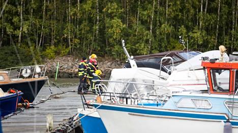 Aila-myrsky piti pelastuslaitosta kiireisenä Merilokin läheisillä laitureilla syyskuussa 2020.