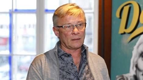 –Päätös oli vaikea, ohjaaja ja käsikirjoittaja Heikki Paavilainen kertoo.