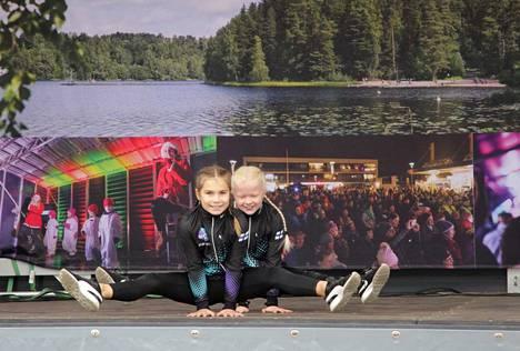 Nokian Voimisteluseuran tytöt ottivat ilon irti energisessä esityksessään.