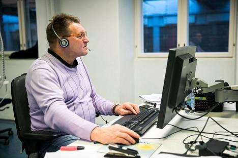Jorma Huovinen tunnetaan Aamulehdessä paneutuvana ja asiansa osaavana toimittajana.