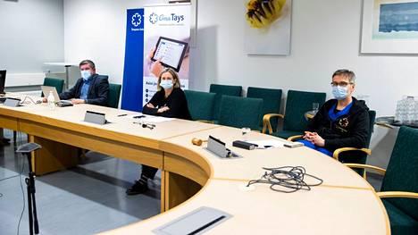 Pirkanmaan pandemiaohjausryhmän Juhani Sand, Jaana Syrjänen ja Janne Laine kertoivat ajankohtaisesta koronatilanteesta maakunnassa.