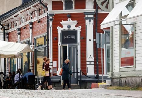 Vanhan Rauman Bar Hehkussa on voinut altistua koronavirukselle sunnuntaina loppuillasta.