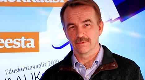 Eduskuntavaaliehdokas Arto Pirttilahti.