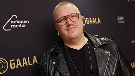 Arttu Wiskari teki tuoreimmalla Vain elämää -kaudella kappaleen Kankaanpään torirallista.