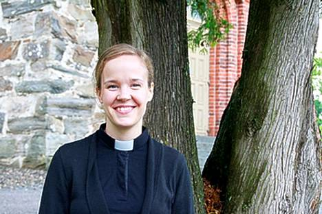 Kokemäen seurakuntapastori Heidi Laine hakee Euran kappalaiseksi.