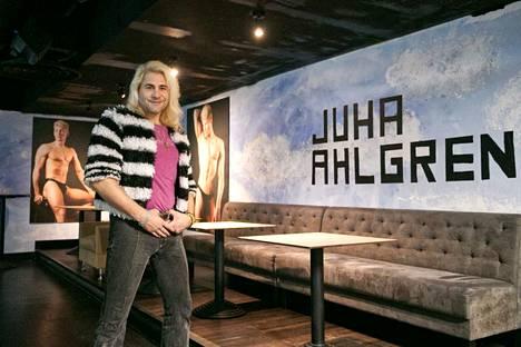 Juha Ahlgren suhtautuu tribuuttinurkkaukseensa positiivisesti, sillä hän on luonteeltaan showmies.