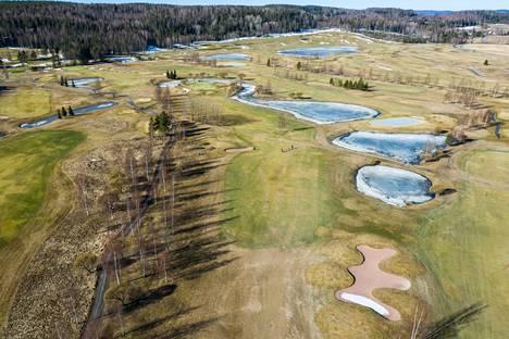 Nokia River Golfissa näytti huhtikuun alussa jo varsin keväiseltä.