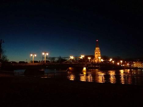 Pelastuslaitos hälytettiin Porinsillalle lauantaina kello 22.23.