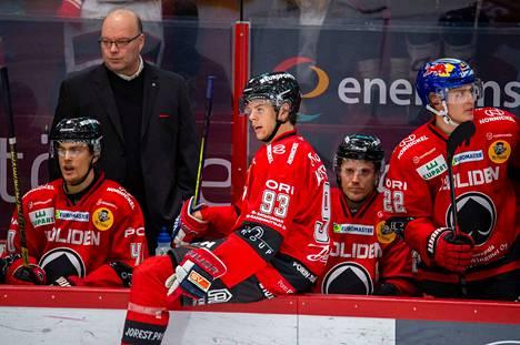 Jesperi Kotkaniemi pelaa myös tiistaina Nicolai Meyerin ja Sebastian Wännströmin kanssa. Alempiin ketjuihin on luvassa muutoksia.