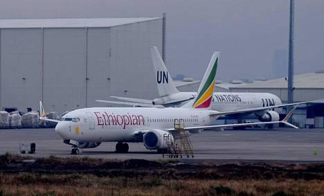Lentokonevalmistaja Boeing aikoo leikata väliaikaisesti 737 MAX:in kuukausittaista tuotantoa lähes 20 prosentilla. Kuvituskuva.
