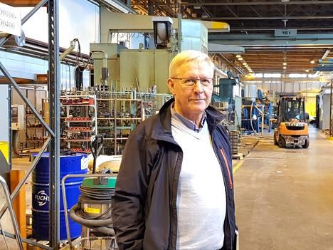 Kari Horsmalahti kertoo, että muutto Varsanhäntään on antanut uutta virtaa yrityksen väelle.
