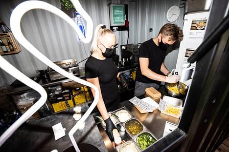 Aleksi Kolunsarka työskentelee Blokissa Anna Lundbergin oikeana kätenä.