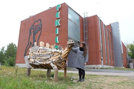 Mäntän kuvataideviikot on yksi suosituin vierailukohde Taidekaupungissa. Anna Pekkala oli Mäntän kuvataideviikkojen taiteilijana kesällä 2018 Pekilossa.