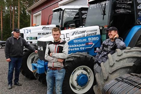 Mikko Levä, Joona Levä ja Andres Laine muodostavat kovan tiimin traktorivetokisojen SM-sarjassa.