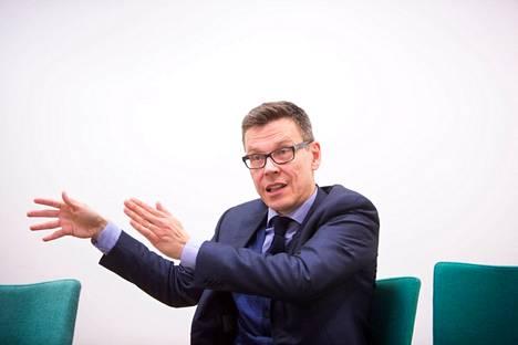 Ylijojhtaja Mikko Spolander neuvoi päättäjiä. Pitäisi katsoa jo koronan jälkeistä aikaa