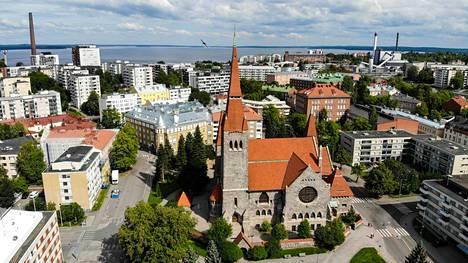 Jumalanpalvelukset lähetetään Tampereen tuomiokirkosta.