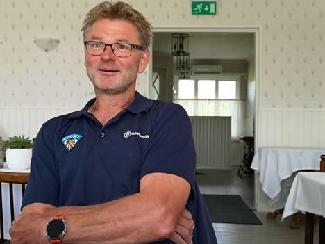 Mika Nieminen on Leijonien kolmanneksi paras pistemies kautta aikojen Raimo Helmisen ja Ville Peltosen jälkeen. Niemisen valmennuspesti VaPS:n kolmosdivarijoukkueessa julkistettiin Lakeside Golfin tiloissa Karkussa.
