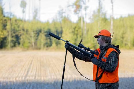 Valtuustoaloite haluaa metsästyskortin suorittamisen osaksi perusopetusta.