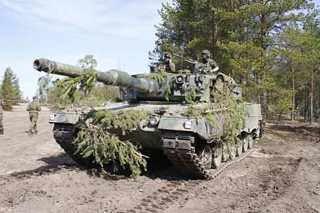 Maavoimien mekanisoituun harjoitukseen osallistuu muun muassa 100 panssarivaunua. Arkistokuva.