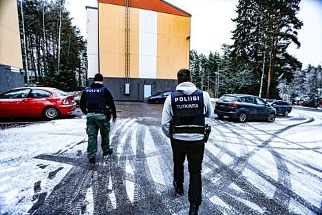 Poliisi teki tutkintaa Nokialla joulupäivänä.