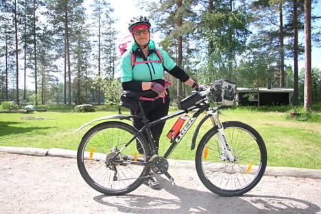 Matkalla maantielle. Miia Siepin pyörämatka Keuruulta Helsinkiin vaati hyvää fyysistä kuntoa ja rautaista tahtoa.